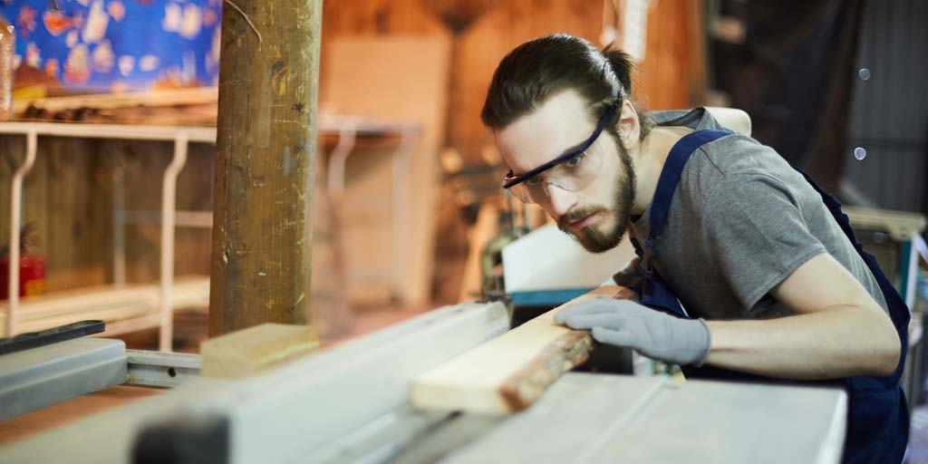 safety glasses in carpentry